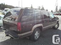 Make Chevrolet Model Suburban Year 1996 Colour Red kms