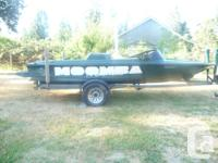 1996 Moomba Boomerang Competition Ski boat with a 351