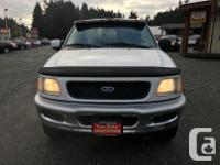 Make Ford Model F-150 Year 1997 Colour White kms
