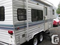 23' Komfort 5th wheel,In excellent shape,queen bed,