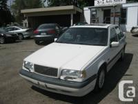 This volvo is in excellent problem in and out! GLT