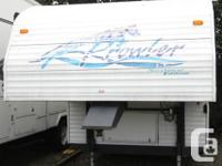1998 Prowler 5th Wheel for Sale This unit is a very