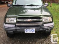 Make Chevrolet Model Tracker Year 2000 Colour green
