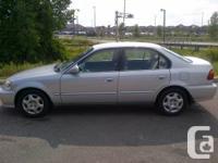 Great fuel efficient student car for sale. 1999 Honda
