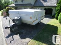 Super clean medium sized tent trailer with all the