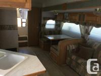 Excellent condition fifth wheel - perfect for the
