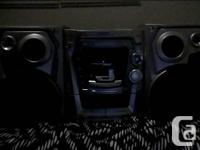 I'm selling 2 very good working stereos. 1 has 5 disc