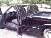 Make Chevrolet Model S-10 Year 2000 Colour Black kms