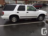 Make Chevrolet Model S10 Blazer Year 2000 Colour white