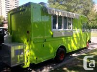 14FT 2000 FORD E-350 CUSTOM FOOD TRUCK   WITH BRAND NEW