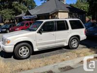 Make Ford Model Explorer Limited 4x4 Year 2000 Colour