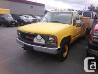 Make GMC Year 2000 Colour Yellow Trans Automatic kms