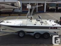 2000 Hawk Middle console Fishing Boat in terrific shape