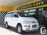 Make Mitsubishi Model Delica Colour White Trans
