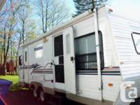 For sale by owner a 2000 Montana Mountaineer 28ft