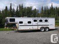 2000 Sundowner 3 Horse 31Ft Trailer. Slanted for three