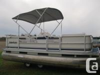 2000 Sweetwater Challenger 18' Pontoon Boat w/25 hp
