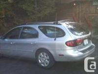 Hello there I'm selling a ford torus 2000 version it's