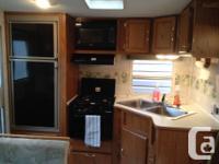 sleeps 6, awning, rear kitchen, LR slide, solar panel