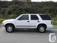 I AM SELLING A 2001 CHEVY BLAZER IT HAS TILT STEERING,
