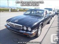 2001 Jaguar XJ-Series Vanden Plas - $7,990
