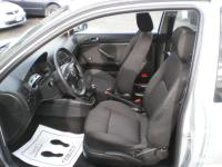 Make Volkswagen Model Golf Year 2001 Colour Silver kms