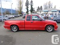 Make Chevrolet Model S-10 Year 2002 Colour red kms