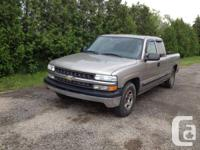 auto, 8 cyl 4.8L engine, extended cab, seats 6 people,