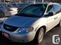 Make Chrysler Model Town And Country Year 2002 Colour