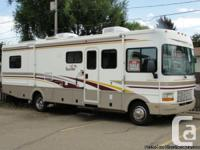 2002 Fleetwood Bounder 32S Class-A Motorhome 32-Foot,