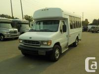 Make Ford Model Econoline Year 2002 Colour White kms
