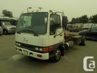 Make Hino Year 2002 Colour White Trans Automatic kms