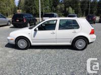 Make Volkswagen Model Golf Year 2002 Colour White kms