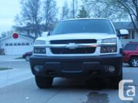 Make Chevrolet Model Avalanche Year 2003 Colour White