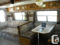 2003 Nash 29 Ft. Travel Trailer with 2 Slide Outs. 3