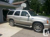 2004 Cadillac Escalade 6.0  with 3rd row seating,