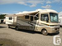 2004 Fleetwood Bounder35ft with 2 slide outs in very