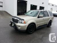 2004 LINCOLN NAVIGATOR - 4x4- MINT STATE, really Clean
