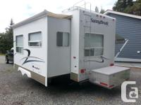 Very clean, well-maintained 5th wheel RV in excellent