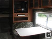 26ft Komfort 5th wheel, 2005. Excellent condition,