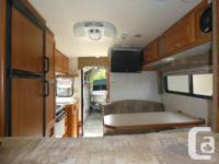 2005 Bigfoot 2500 all Fiberglass Camper Fully loaded in
