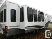Price: $39,995 Stock Number: RV-1778A Bright skylights