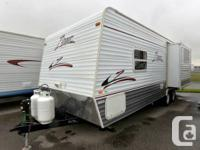 2005 CROSSROADS RV ZINGER TT 25RKS. Travel Trailer.