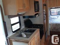 2005 E450 27 ' motorhome One slide out , electric