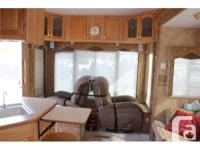 "This luxurious, well cared for, 32' 10"" EVEREST 294L"