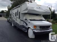 2005 Forest Stream Forester Class-C Motorhome. 31ft