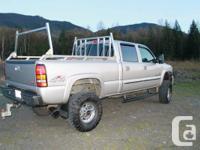 I am selling my 2005 gmc duramax diesel 2500HD crew