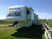2005 Keystone Montana 3400RL Fifthwheel. 38-ft, 4