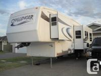 FOR SALE....2005 KEYSTONE CHALLENGER FIFTH WHEEL. 29',