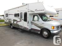 Features:  Center Living Room, Ford Chassis, Roof AC,